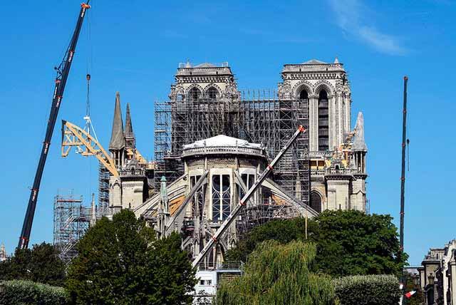 پروژه بازسازی نوتردام متوقف شد
