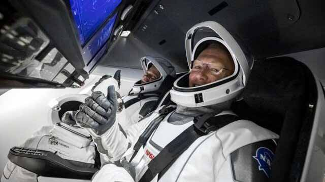 پیادهروی فضایی مسافران دراگون